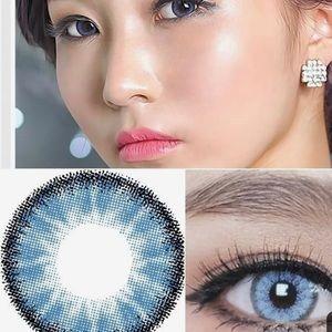 Color contact (sapphire blue)
